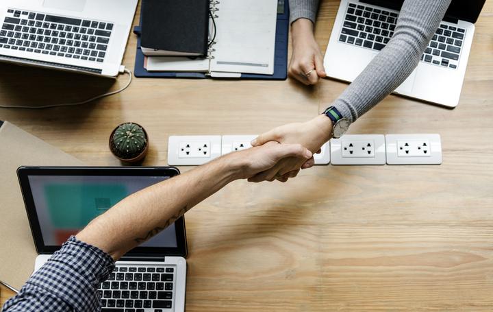 Un accord de vente en marketing B2B